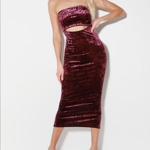 Lulu's Friday Night Vibes Plum Velvet Cutout Dress